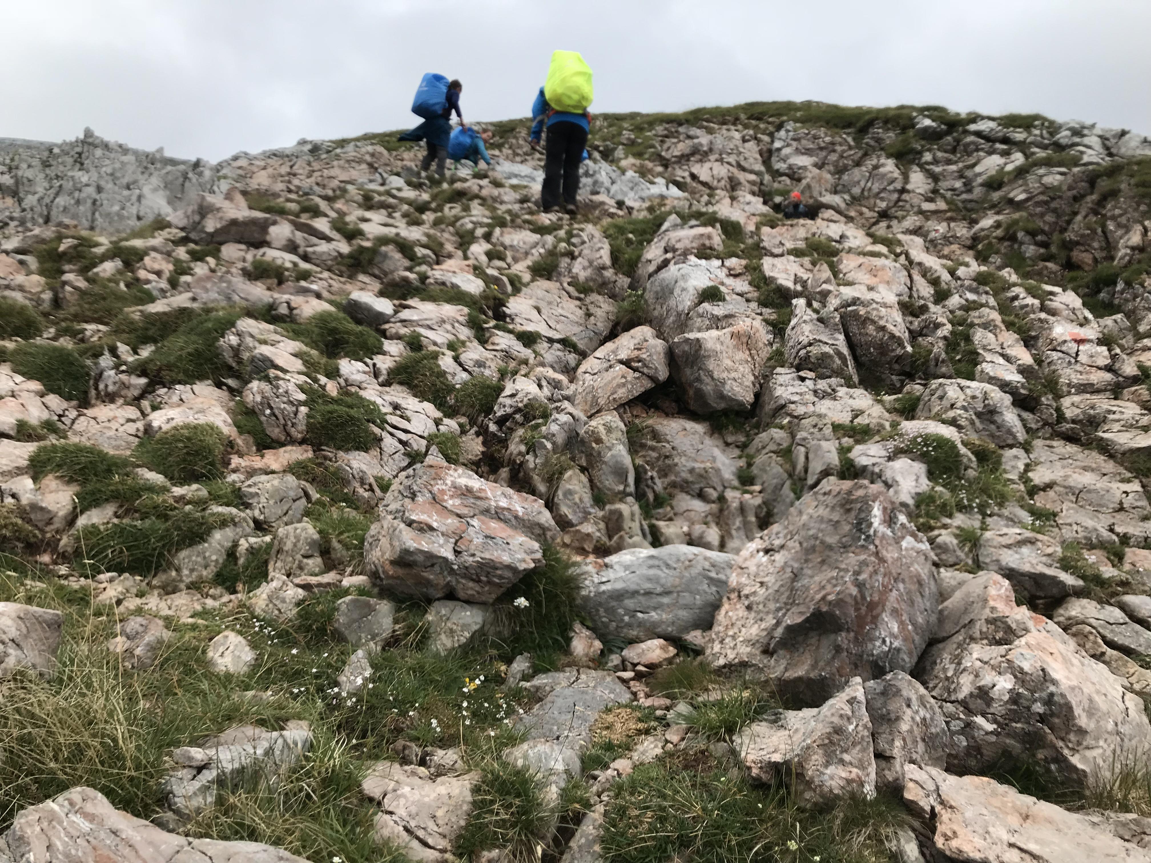 Hinaufklettern auf 2200 Meter